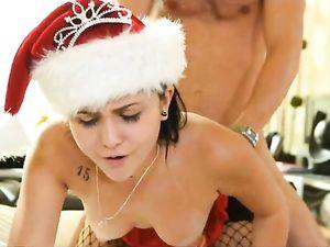 Holiday Seductress Fucks Her Hung Boyfriend