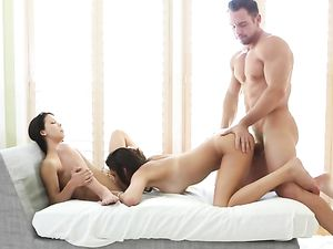 Pussy Eating And Hardcore Fucking Threesome
