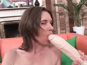 Teen And Her Gigantic Toys Have Hot Solo Sex