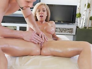 Parker Swayze Is A Perfectly Oiled Fuck Slut