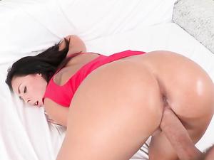 Gianna Nicole Facial After A Beautiful Big Cock Fucking