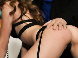 Kinky Girl On A Leash Gets Her Pussy Pounded