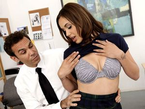 Brunette Teen Fucking Her Teacher In The Classroom