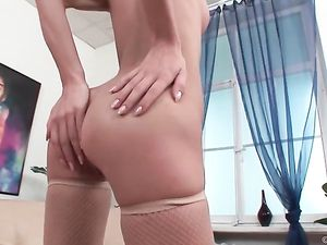 Booty And Pussy Of A Blonde Fucked At The Same Time